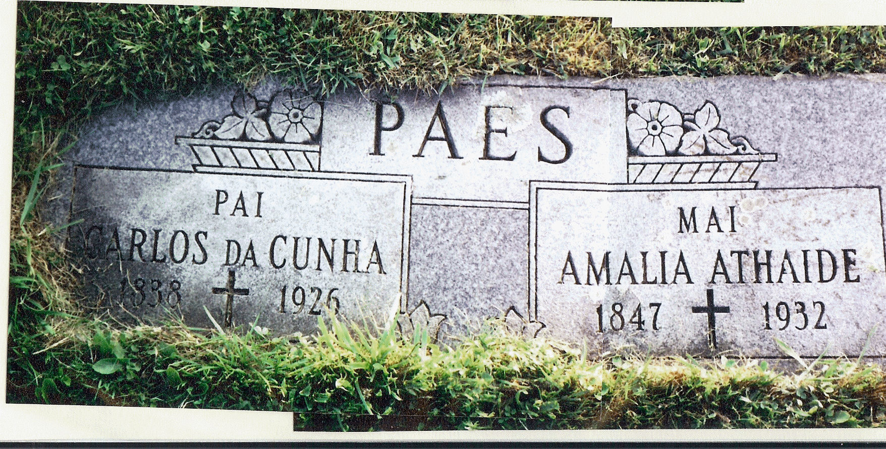 headstone of Carlos and Amelia